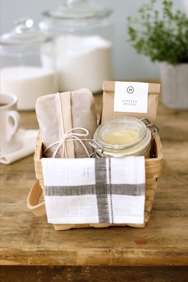 diy breakfast gift basket