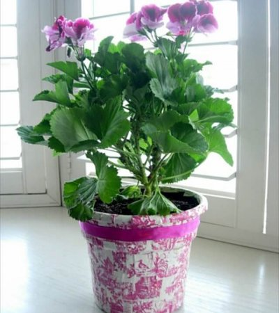 decorating flower pots with fabric