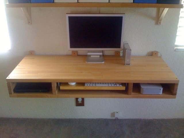 DIY computer Desk with blocks
