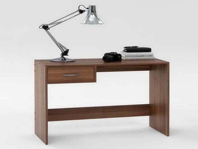 compact DIY computer Table