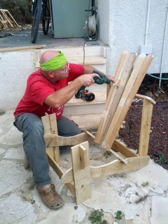 Pallet Adirondack Chair DIY