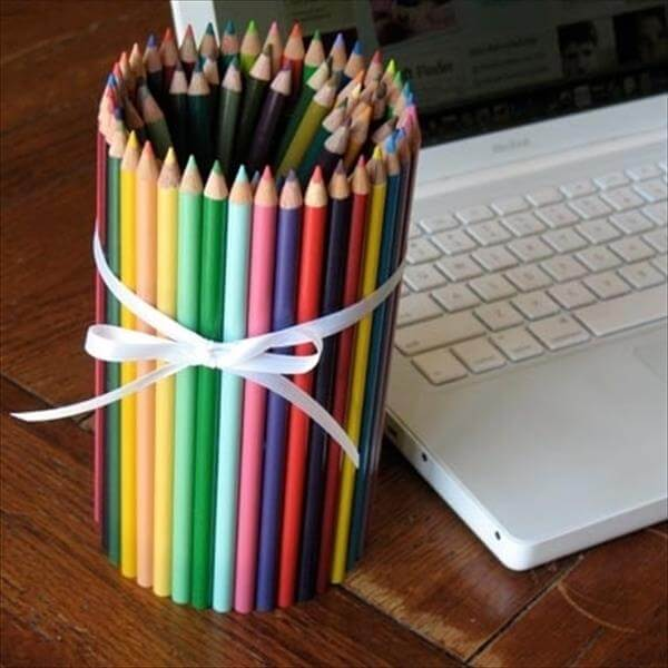 upcycled tin can pencil holder