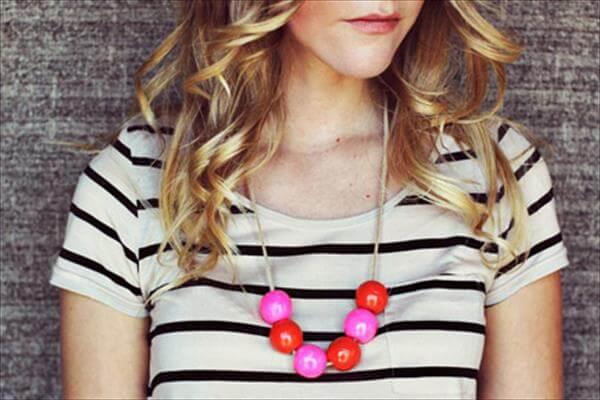 diy cool bauble necklace