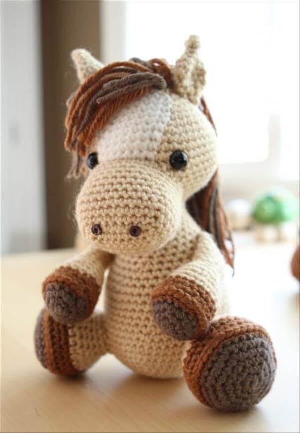 diy luck horse crochet pattern