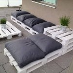 repurposed pallet patio sofa sitting