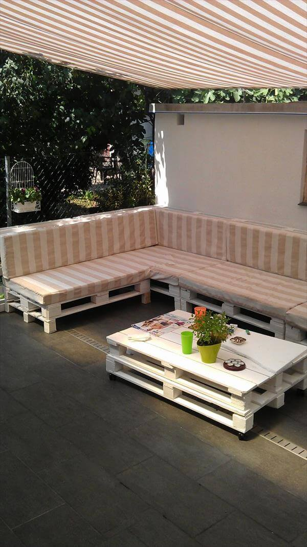 upcycled pallet outdoor sofa