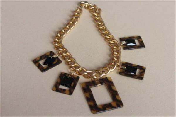diy tory burch inspired metal necklace