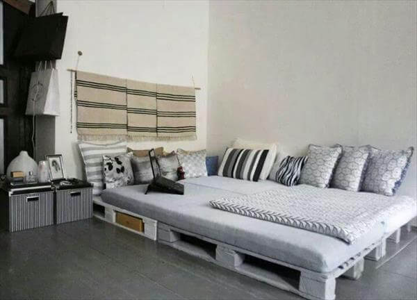 repurposed pallet chic bed