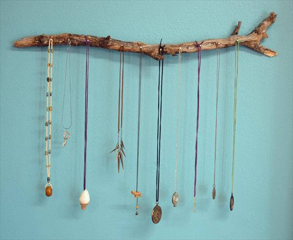 simple tree wood necklace holder
