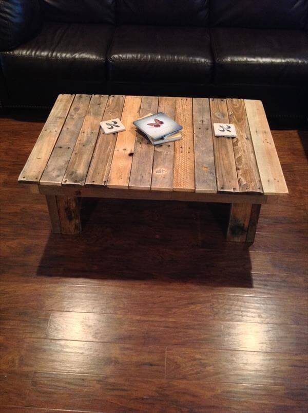 simple wooden pallet table