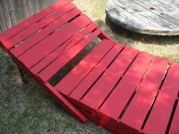 red pallet chair