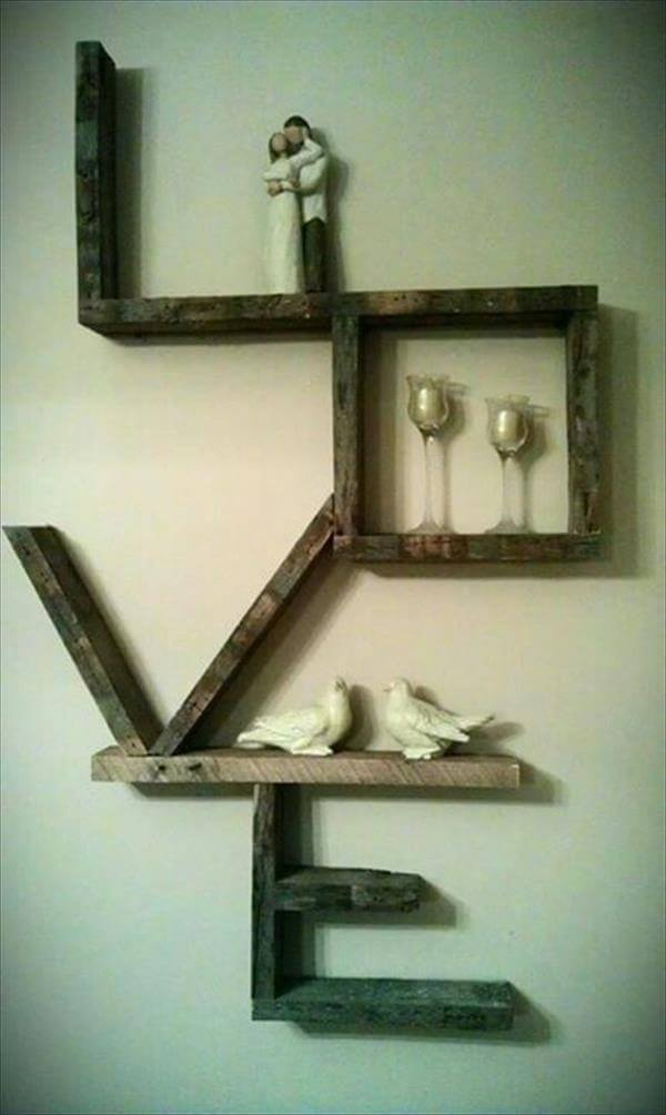 wall-decorated-with-pallet-project
