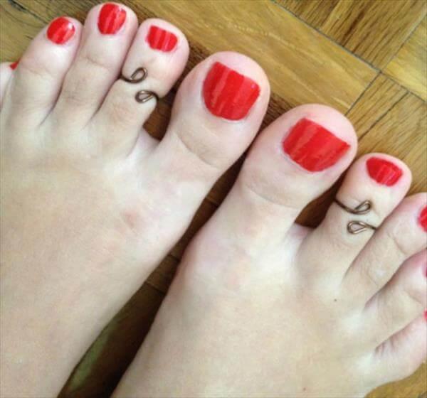 diy toe ring idea