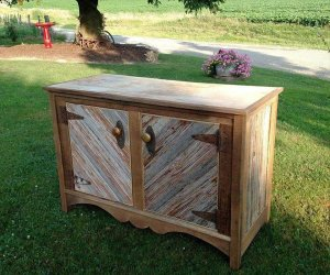 DIY Barn Wood Projects for The Home