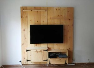 DIY Wooden Media Wall / TV Panel